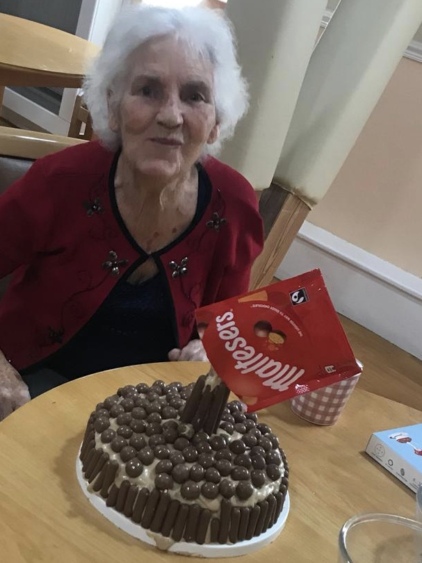 Anti gravity malteser cake vh: Key Healthcare is dedicated to caring for elderly residents in safe. We have multiple dementia care homes including our care home middlesbrough, our care home St. Helen and care home saltburn. We excel in monitoring and improving care levels.